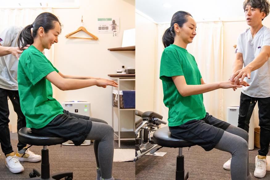 (左)よくなりがちな良くない姿勢(右)骨盤を立てて座っている写真